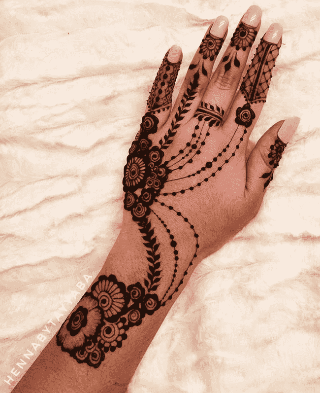 Bewitching Rajkot Henna Design