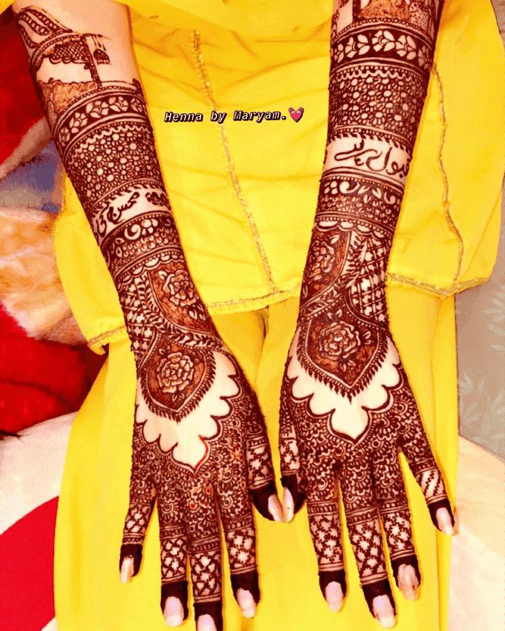 Shapely Ranchi Henna Design