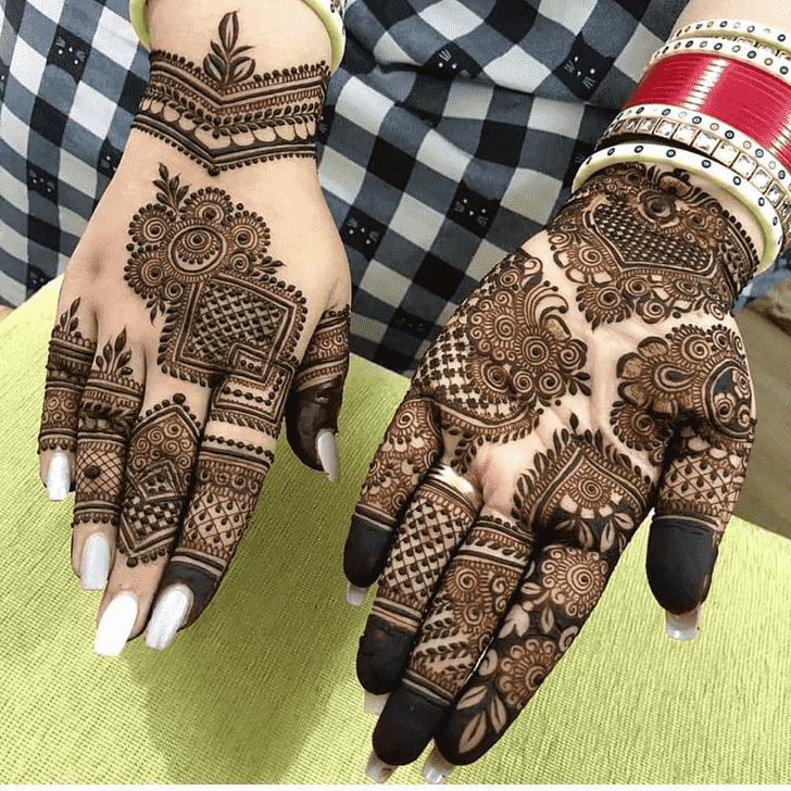 Admirable Rawalpindi Mehndi Design