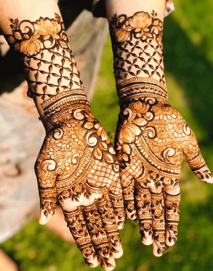 Enticing Rawalpindi Henna Design