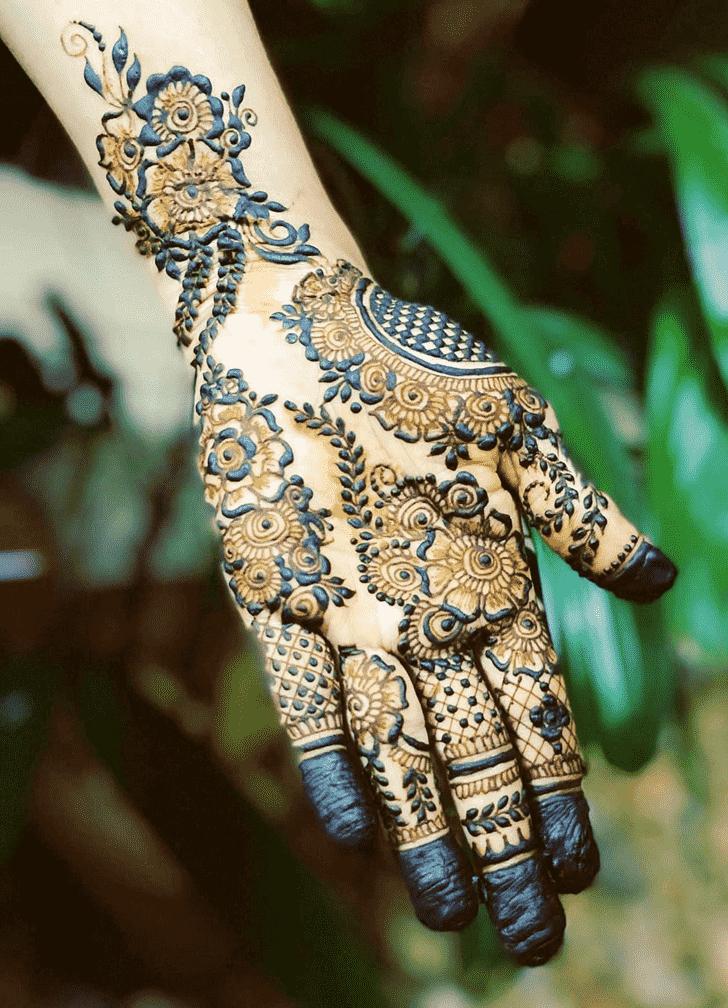 Fascinating Rawalpindi Henna Design