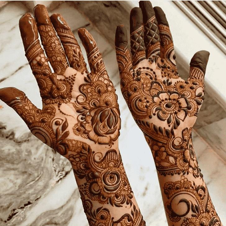 Shapely Rawalpindi Henna Design