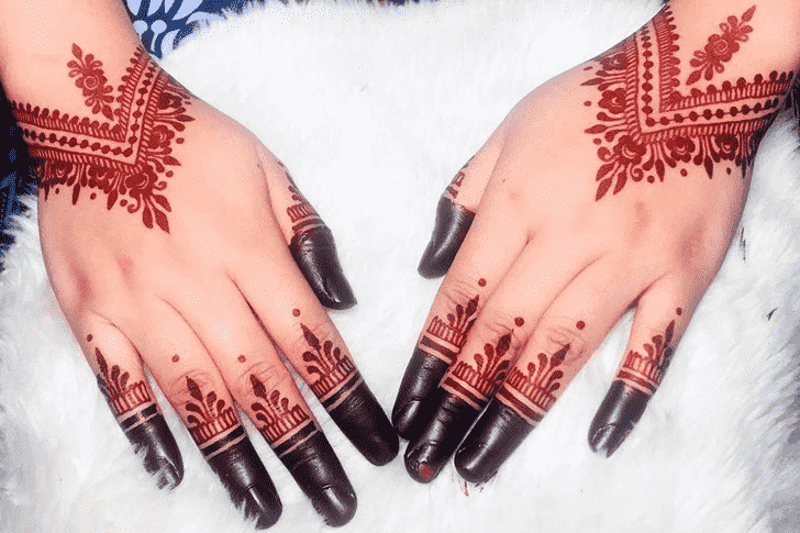 Shapely Red Henna Design