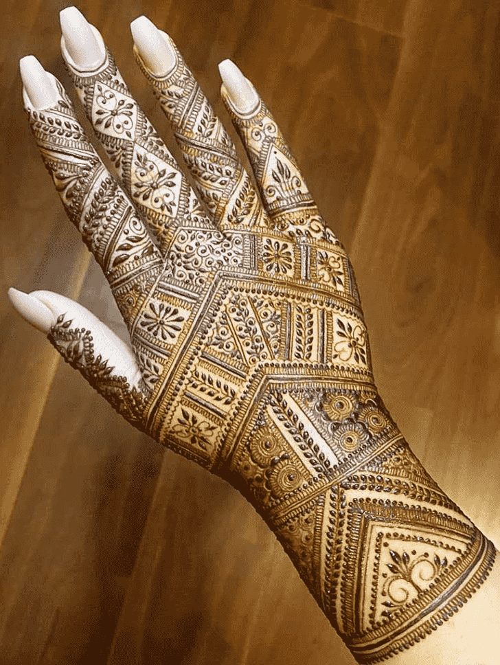 Captivating Right Hand Henna design
