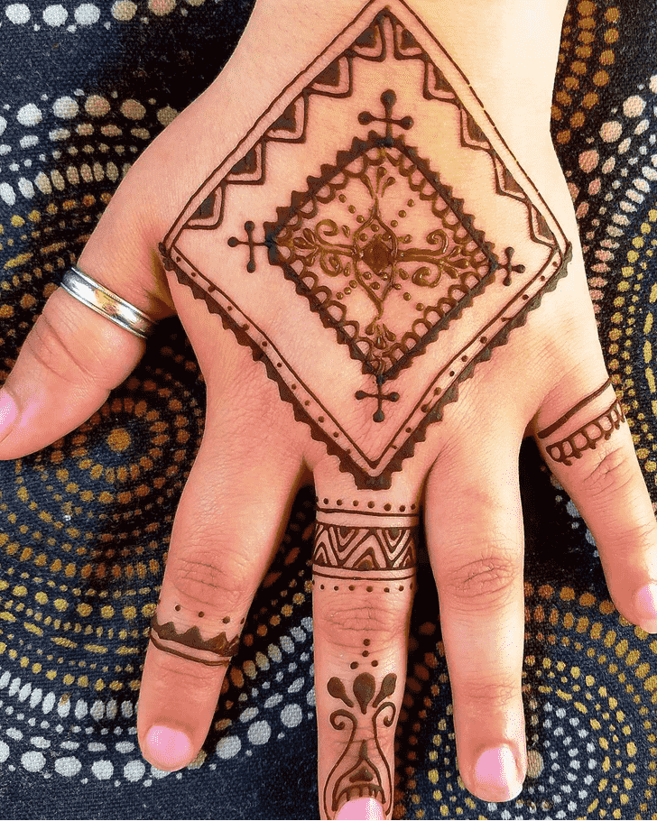 Angelic Ring Henna Design