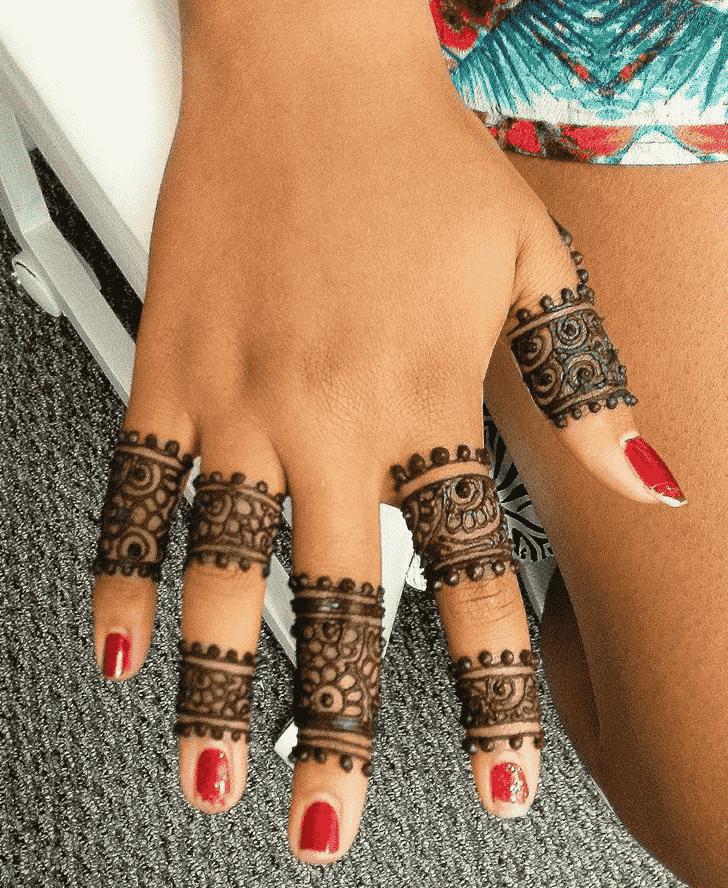 Beauteous Ring Henna Design