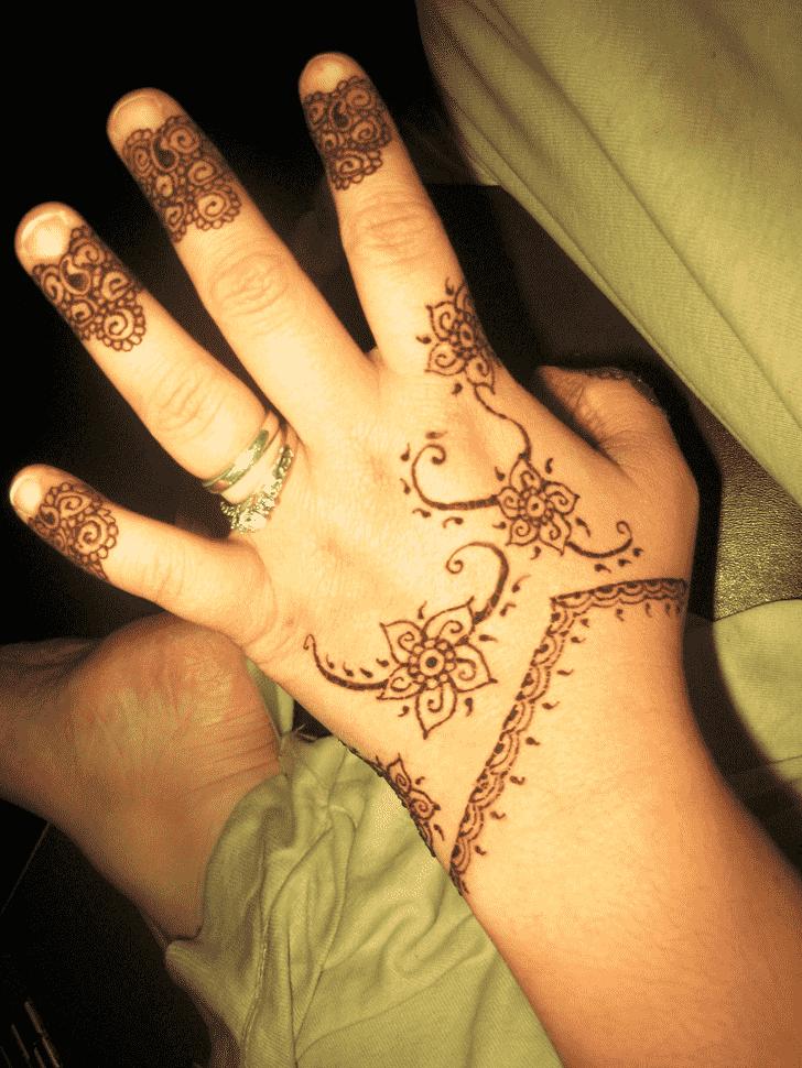 Pretty Ring Henna Design