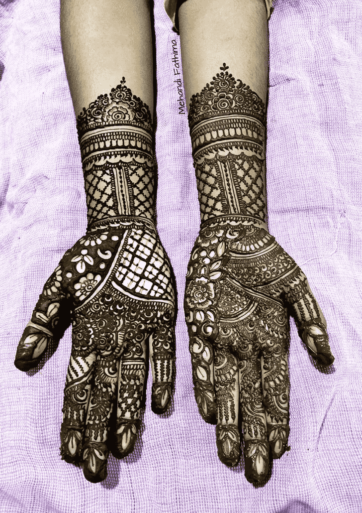 Comely Romantic Henna design