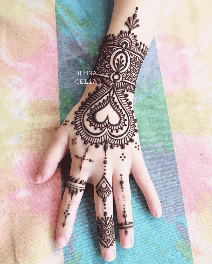 Enthralling Romantic Henna design