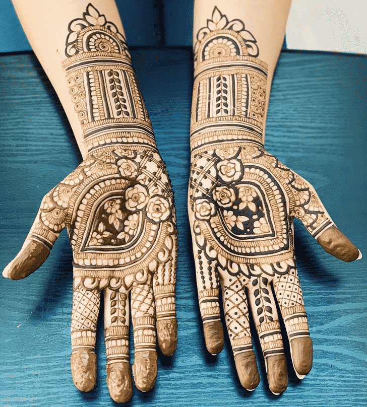 Fetching Romantic Henna design