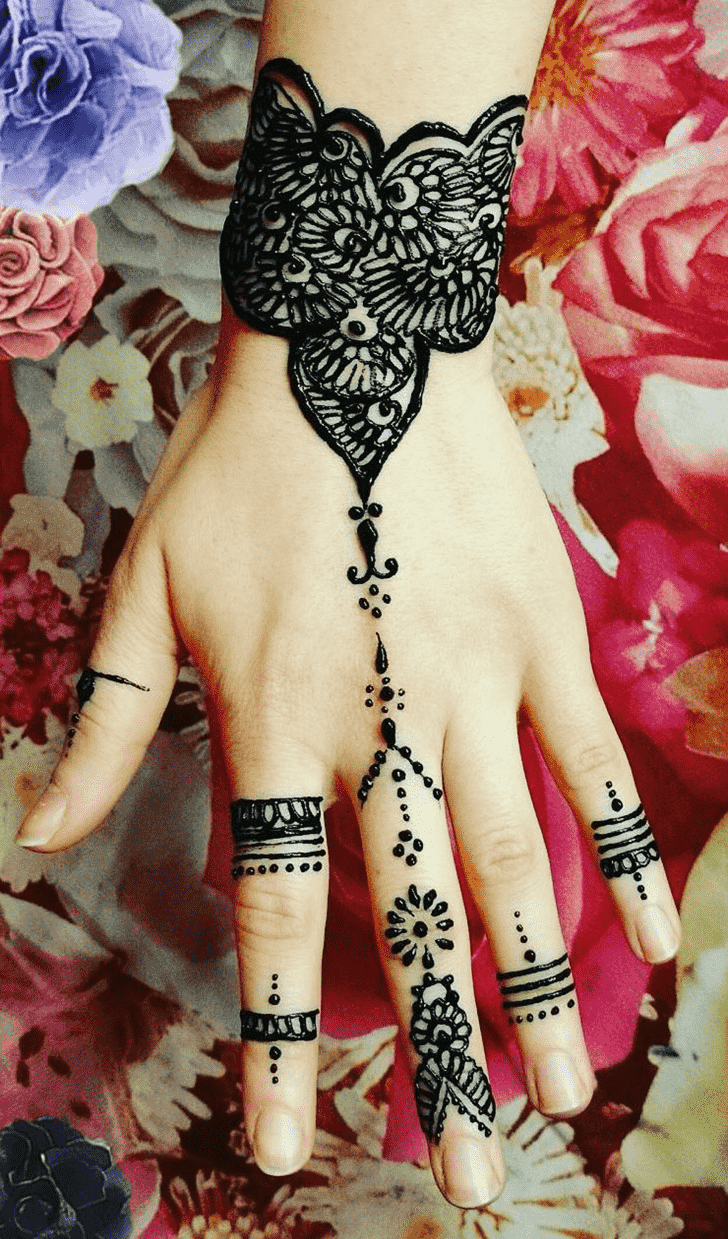 Ravishing Romantic Henna design