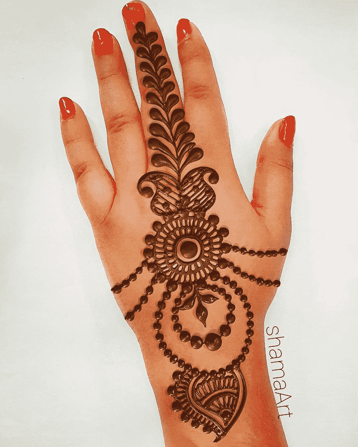 Resplendent Romantic Henna design