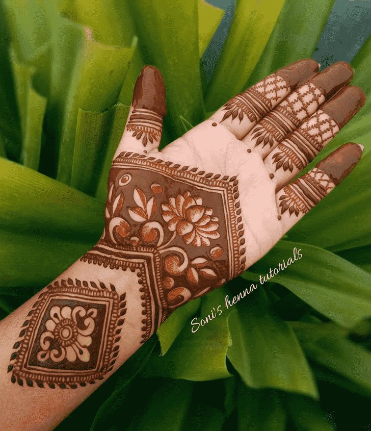 Splendid Romantic Henna design