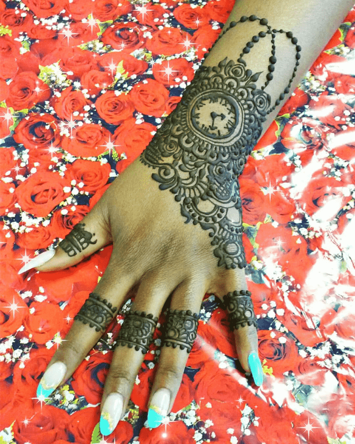 Stunning Romantic Henna design