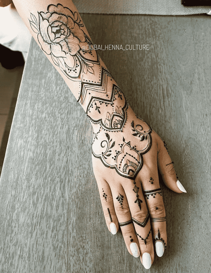 Wonderful Romantic Mehndi design
