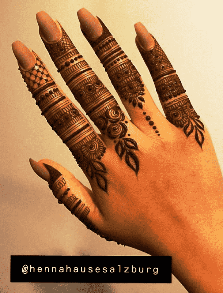 Admirable Rome Mehndi Design