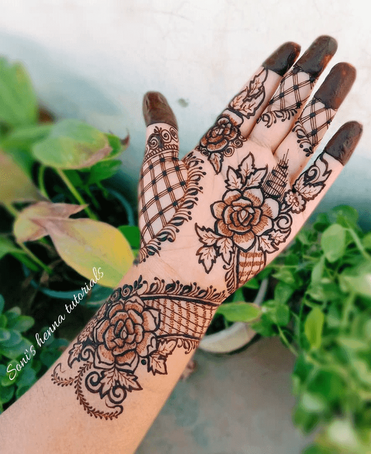 Beauteous Roses Henna Design