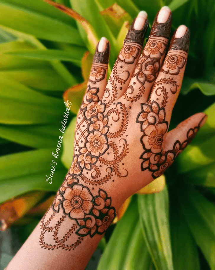 Comely Roses Henna Design