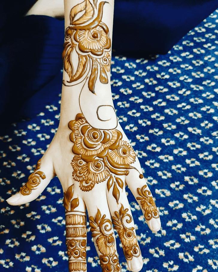 Nice Roses Henna Design