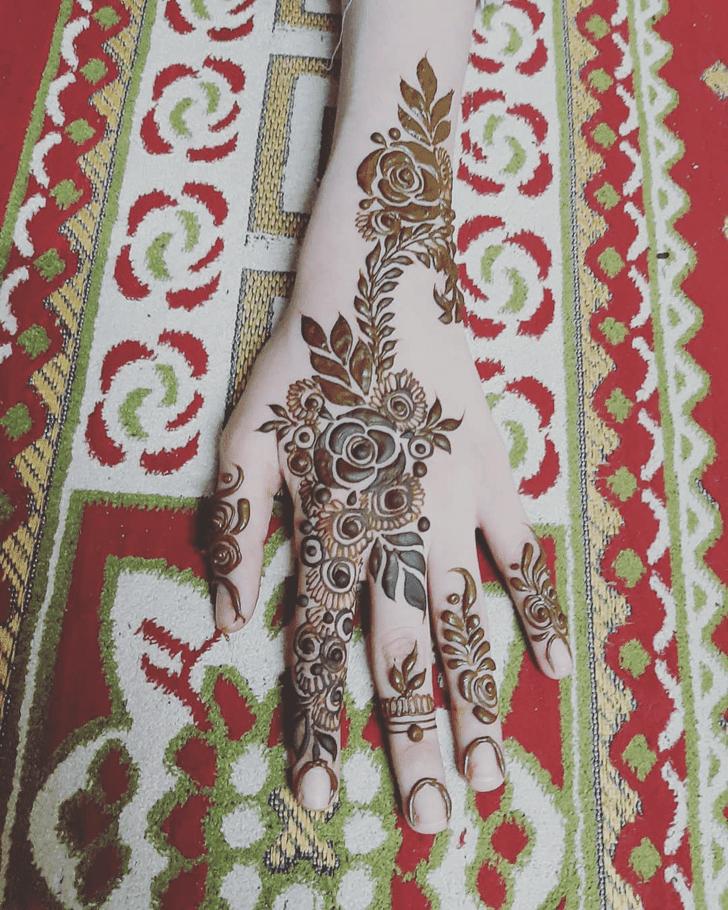 Pretty Roses Henna Design