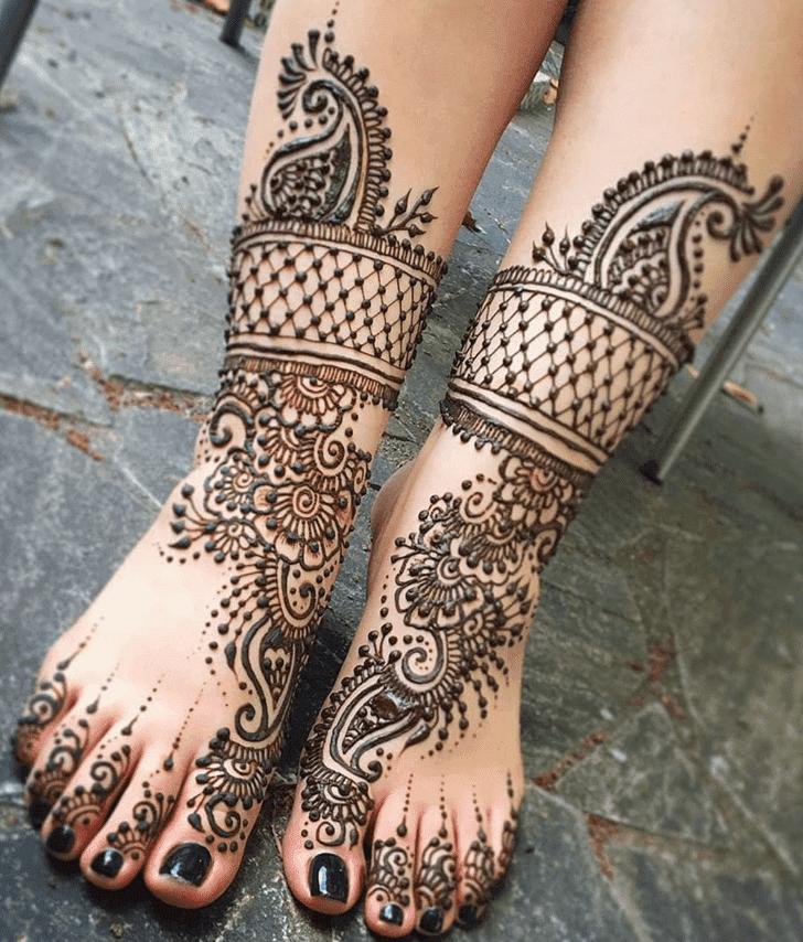 Captivating Royal Henna Design