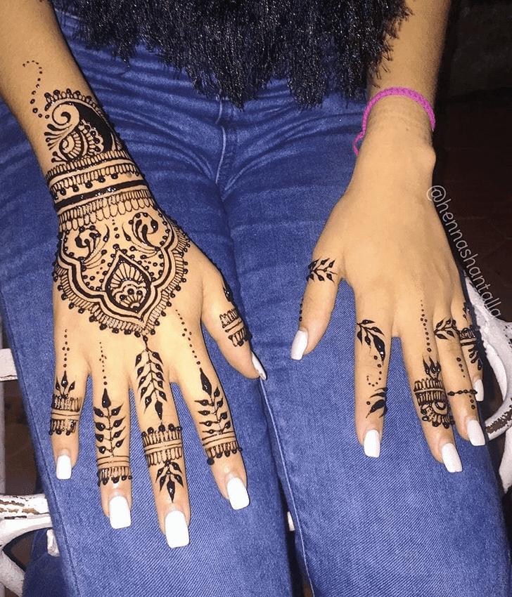 Dazzling Royal Henna Design