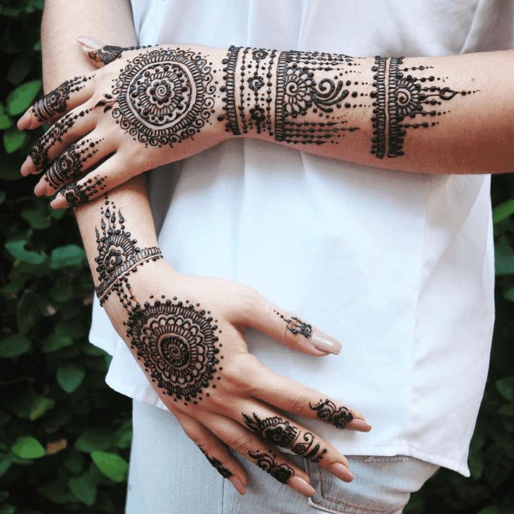 Elegant Royal Henna Design