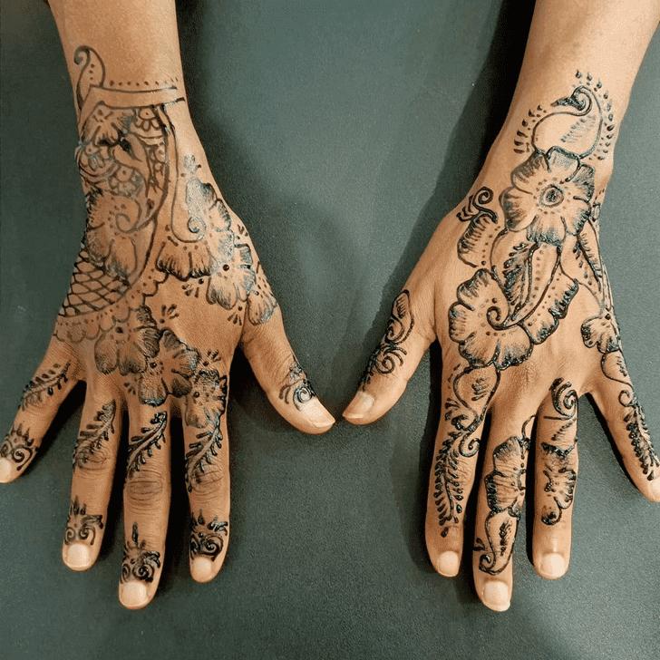 Inviting Royal Henna Design
