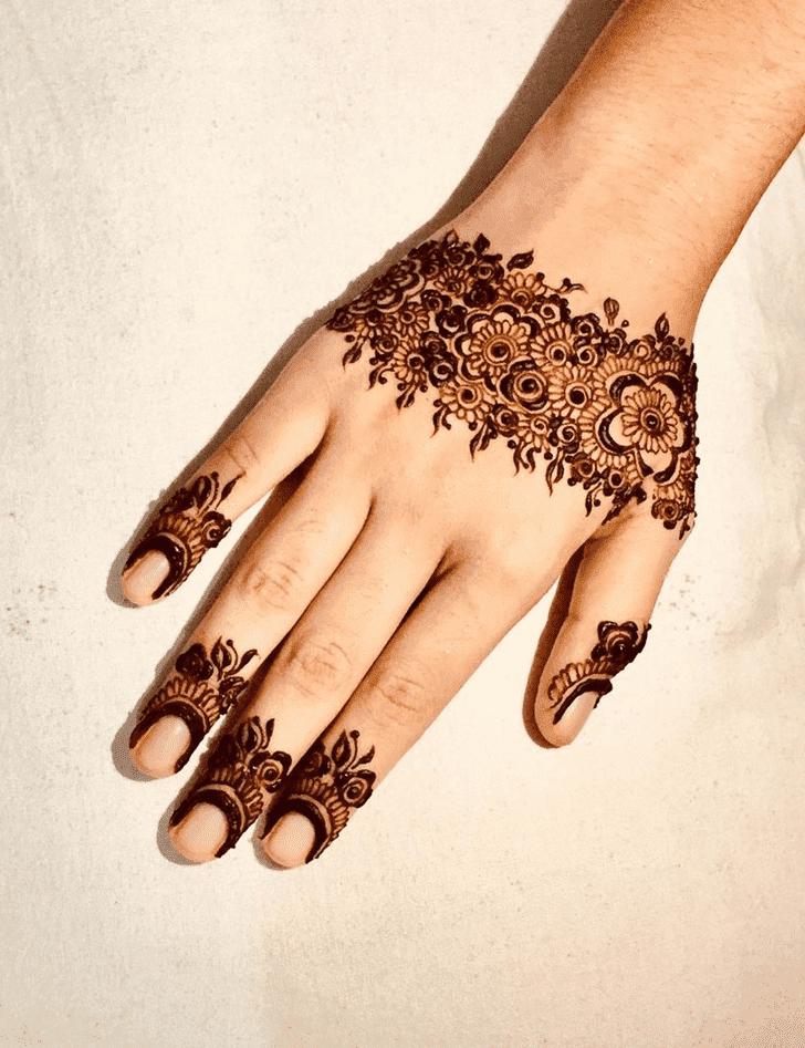 Magnetic Royal Henna Design