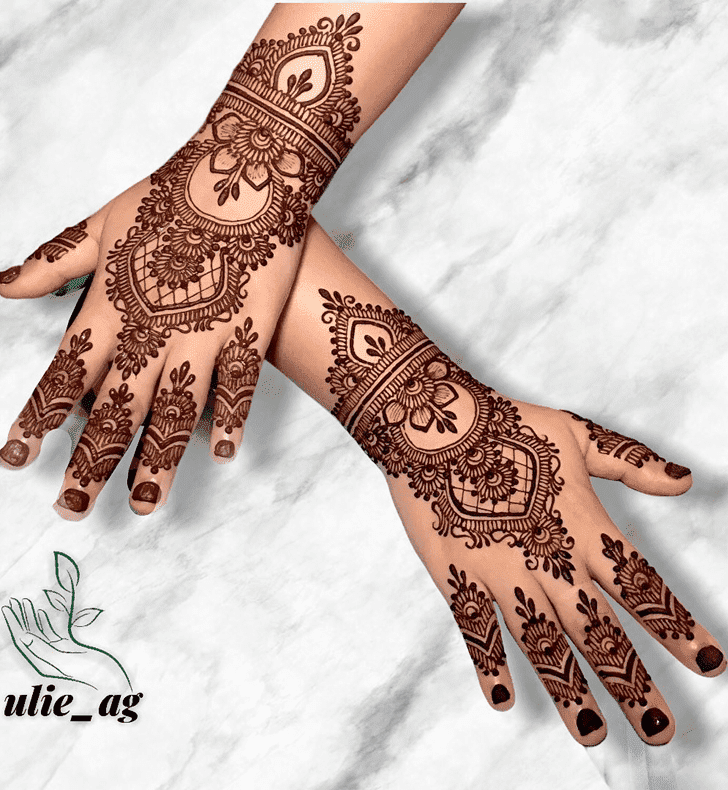 Pretty Royal Henna Design