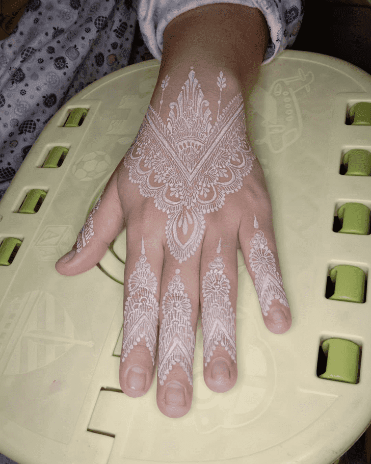Radiant Royal Henna Design