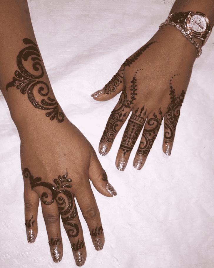 Alluring Sargodha Henna Design