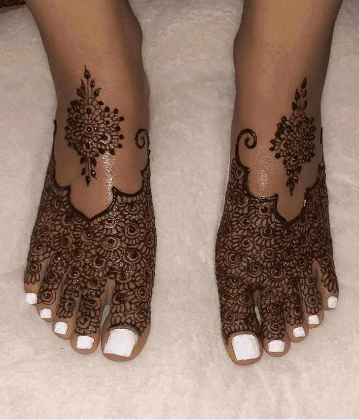 Inviting Sargodha Henna Design