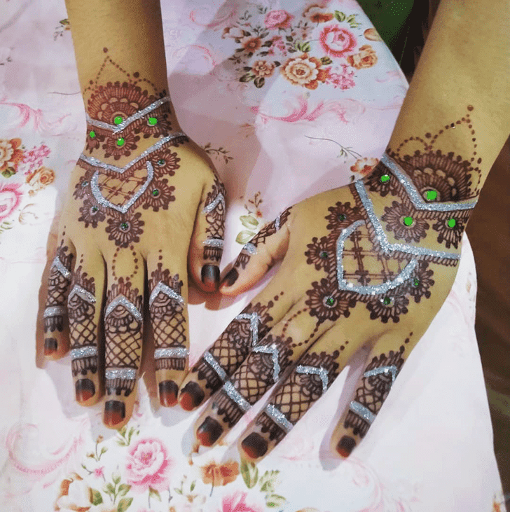 Superb Sargodha Henna Design