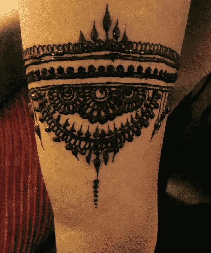 Appealing Seducing Henna Design