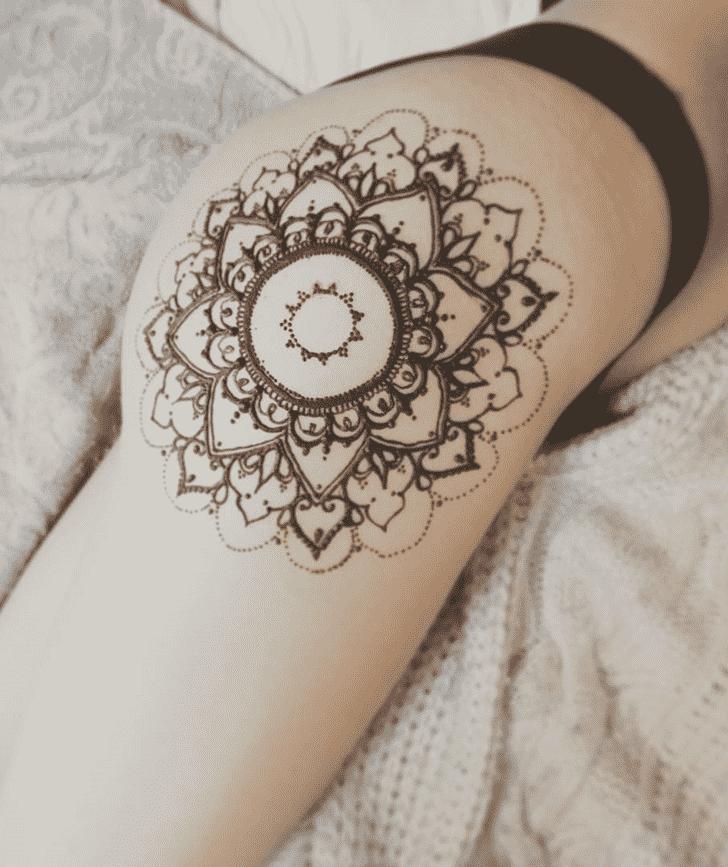Beauteous Sexy Henna Design
