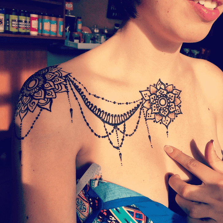 Captivating Sexy Henna Design