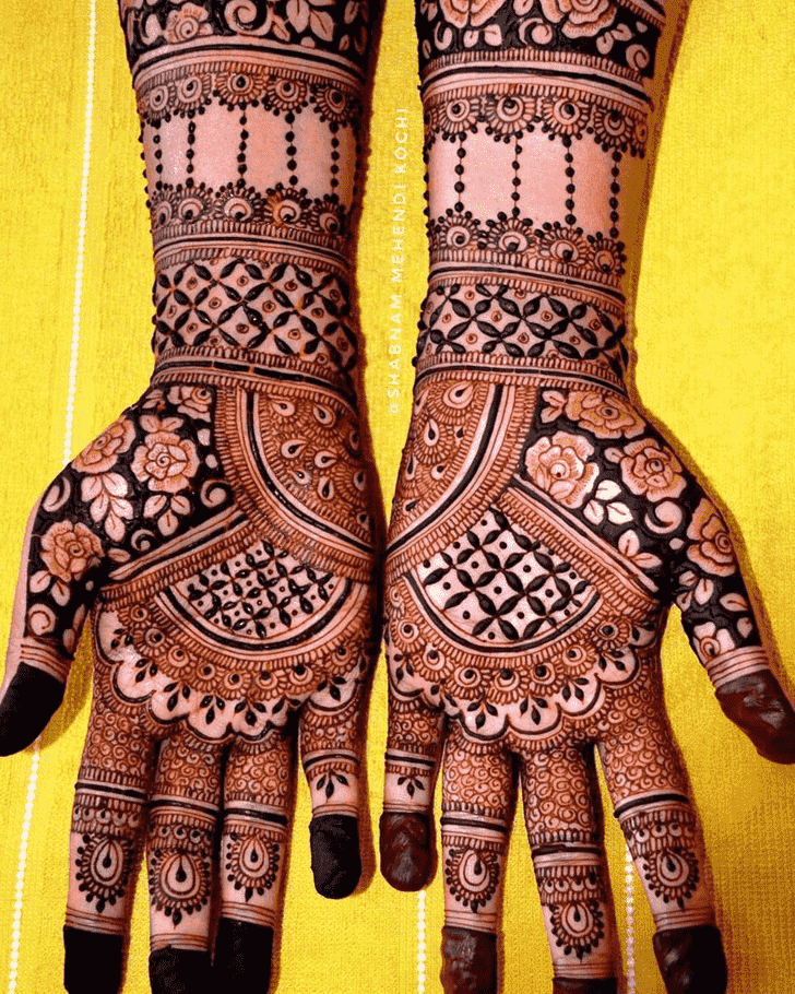 Captivating Shivratri Henna design
