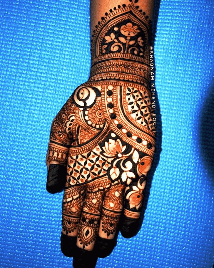 Delicate Shivratri Henna design