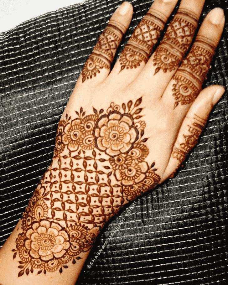 Enticing Shivratri Henna design