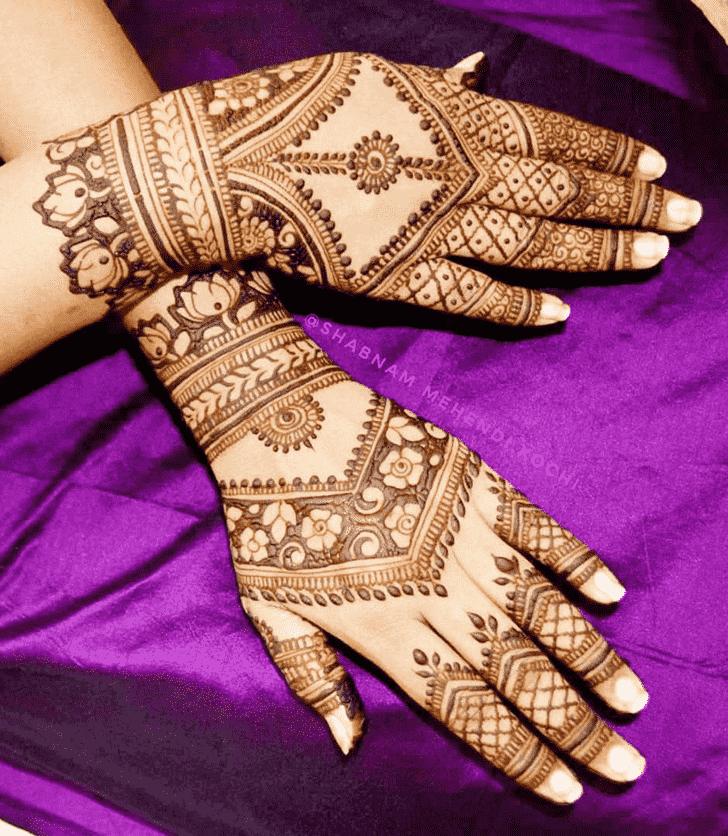 Excellent Shivratri Henna design