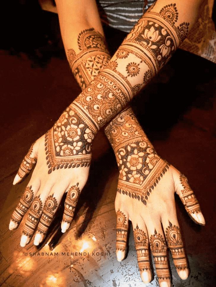 Fascinating Shivratri Henna design