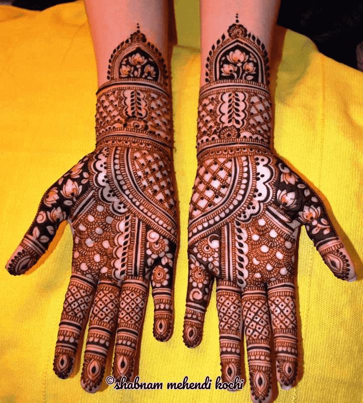 Shapely Shivratri Henna design