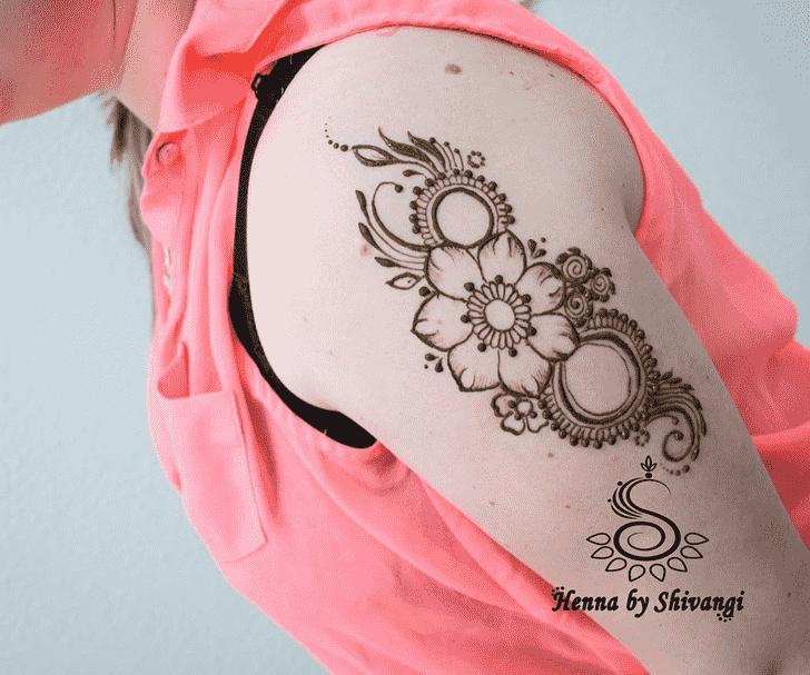 Admirable Shoulder Mehndi design