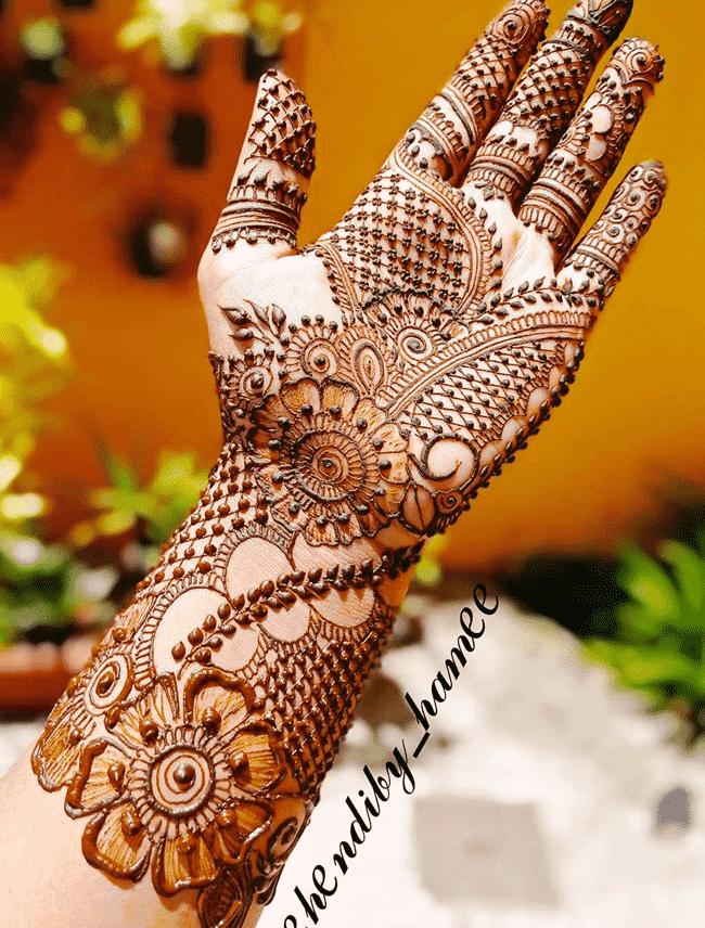 Admirable sialkot Mehndi Design