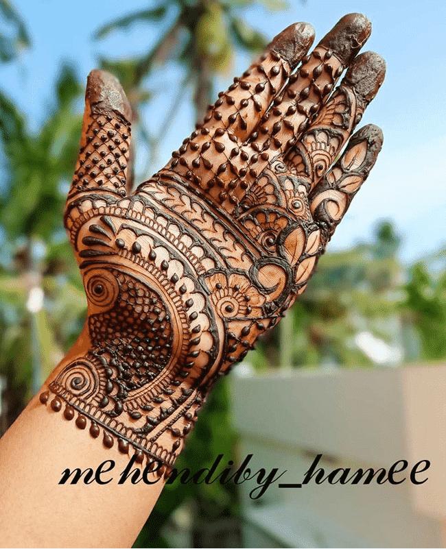 Adorable sialkot Henna Design