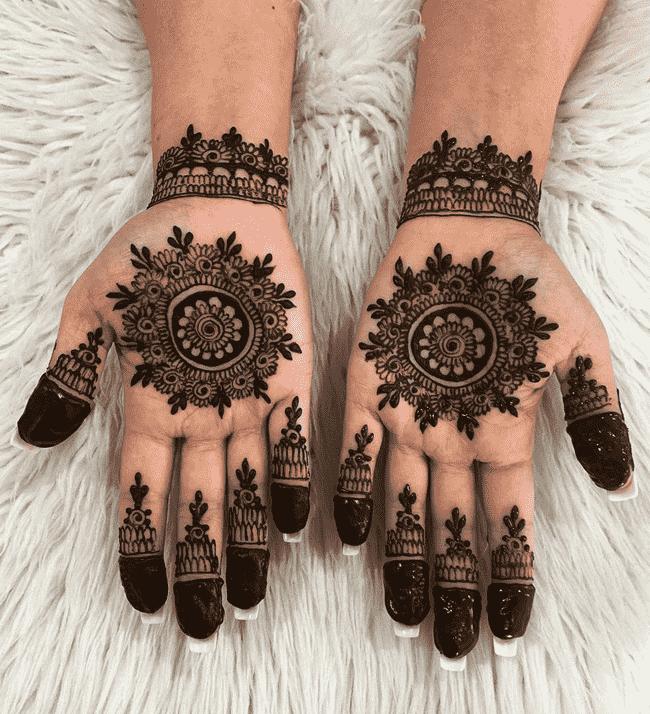 Alluring sialkot Henna Design