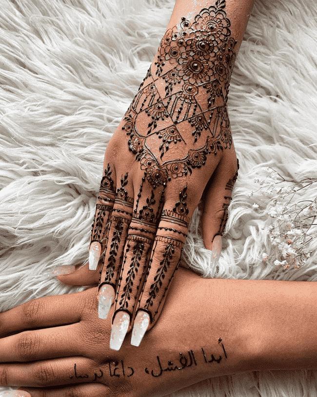 Beauteous sialkot Henna Design