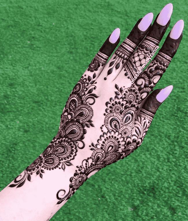 Bewitching sialkot Henna Design