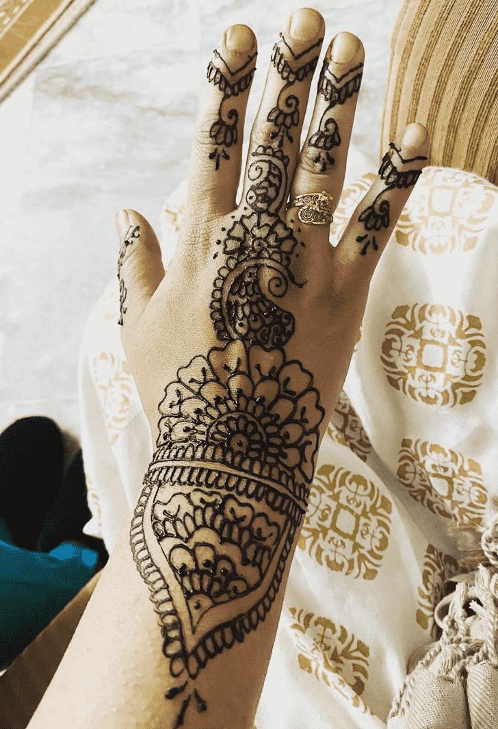 Classy Silicon Valley Henna Design